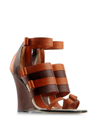 Simona Vanth Wedges